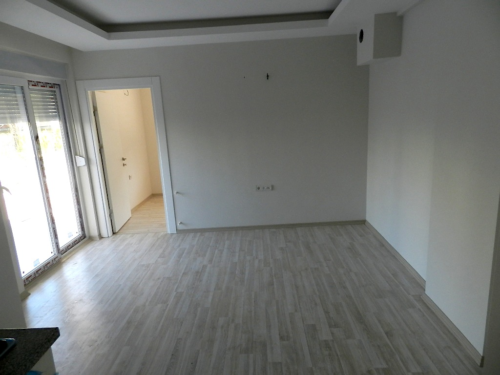 cheap Antalya apartment with sea view 8