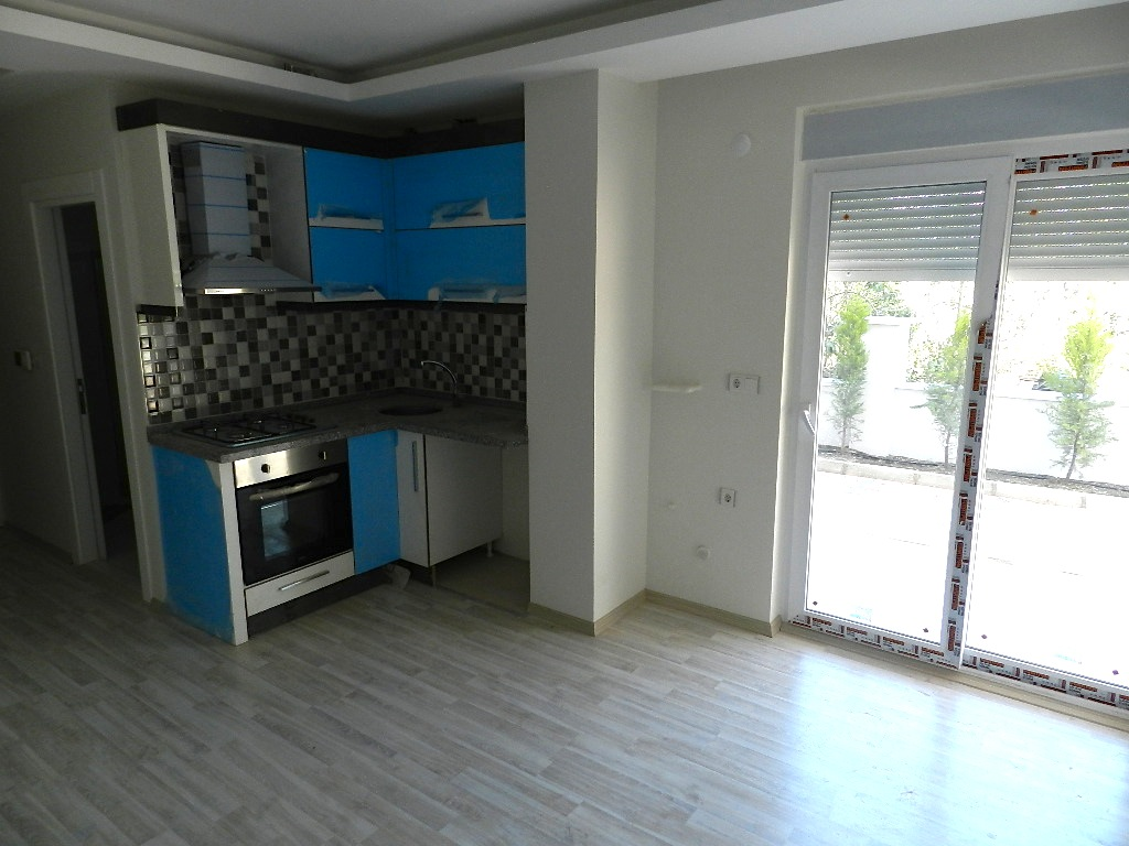 cheap Antalya apartment with sea view 9